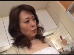 Japanese Mom Masturbating After Watching Porn Magazine Nonktube Com
