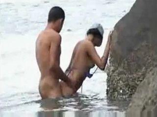 couple caught fucking the sea