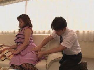 While He Gives Back Massage To Busty Rich Wife Miyabe Ryohana ...